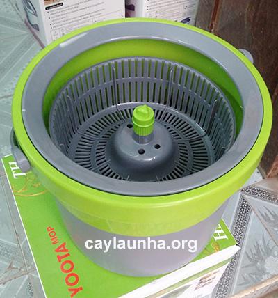 Cây lau nhà 360 độ đa năng Yoota lúc vắt khô